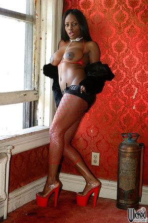 jada fire black squirt
