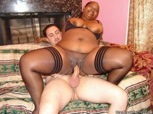 fat black pussy getting fucked